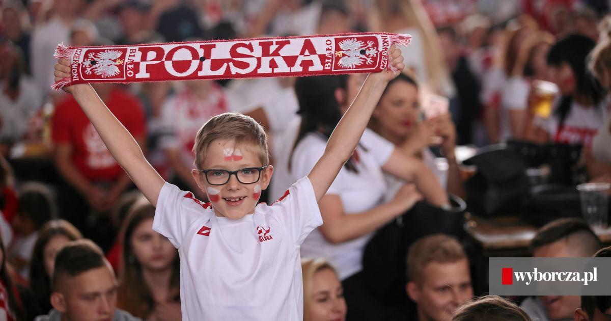 50df9a54e Kibice w Szczecinie nie zawiedli. Szkoda tylko, że nasi piłkarze...  [ZDJĘCIA, WIDEO]