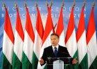 Orbán odwraca si� od Zachodu. A W�grzy stoj� za nim murem