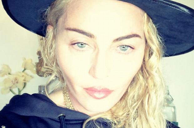 Madonna na Instagramie dodała zdjęcie, na którym pozuje ze wszystkimi swoimi dziećmi. Zrobiła to z okazji rocznicy powstania szpitala, który pomagała budować.