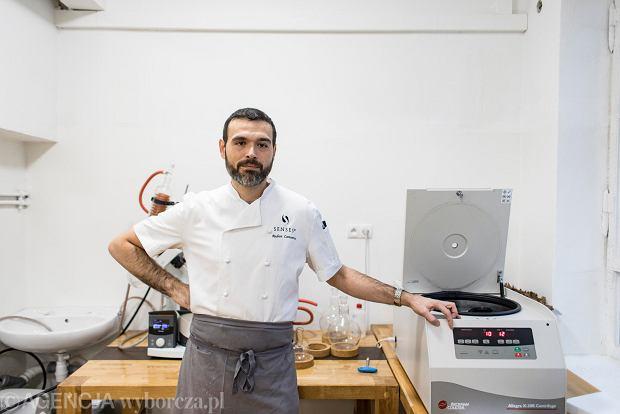 Szef kuchni restauracji Senses Andrea Camastra.