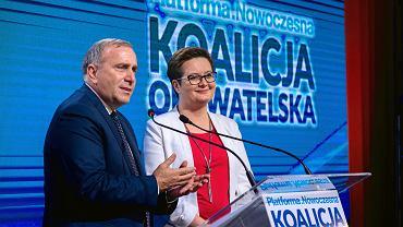 Grzegorz Schetyna i Katarzyna Lubnauer podczas wspólnej konwencji Nowoczesnej i Platformy Obywatelskiej w Olsztynie