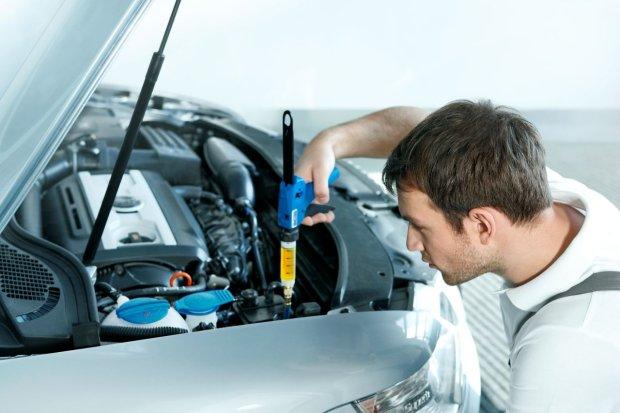 B�d� czujny na odg�osy silnika