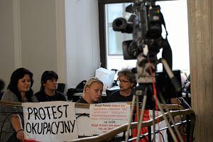 Rodzice niepe�nosprawnych dzieci: Zostaniemy w Sejmie tak d�ugo, a� Senat nie przyjmie poprawki