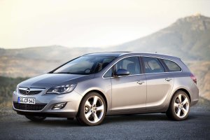 Opel Astra IV (2009-2015) - opinie Moto.pl