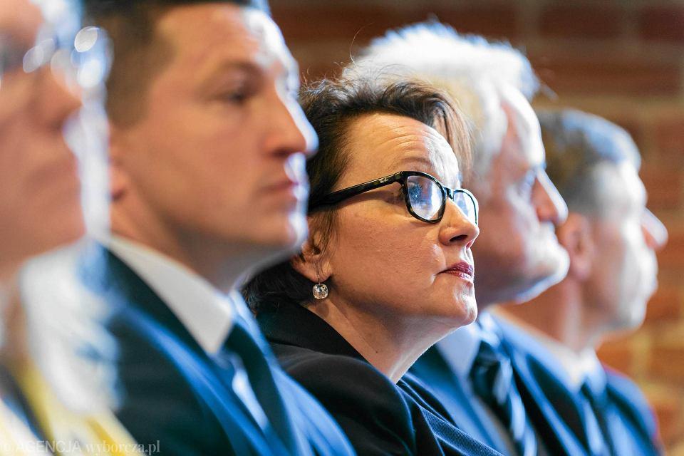 Minister edukacji w rządzie PiS Anna Zalewska. Z Unii Wolności pod skrzydła Kaczyńskiego, czyli w 10 lat dookoła Sejmu