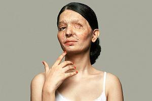 Porady wizażowe Reshmy: Wystarczą 2 minuty, żeby dobrać odcień pudru. I 3 sekundy, żeby oblać kogoś kwasem