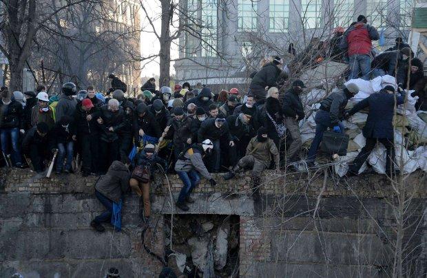 Kowal: To pr�ba pacyfikacji na Ukrainie pod os�on� igrzysk