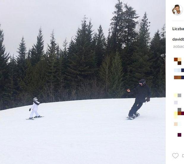 Zdjęcie numer 13 w galerii - Rodzina Beckhamów w górach. Harper uczy się jeździć na nartach! Nie obyło się bez WYPADKU. Zobaczcie nagranie