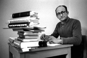 Ko�akowski: Casus Eichmanna. Adam Michnik poleca