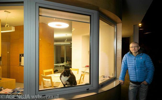Zdjęcie numer 1 w galerii - Robert Konieczny: U mnie wszystko się kręci wokół domu