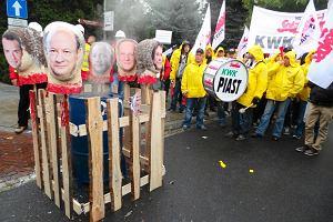 """Politycy PO: """"Protesty s� bez znaczenia"""". Piotr Duda: """"Ruszy�a �nie�na kula, ten rz�d upada"""""""