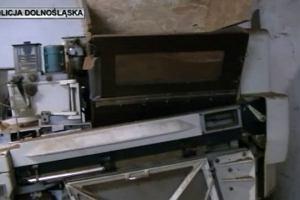 CBŚP zlikwidowało największą fabrykę nielegalnych papierosów