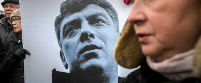 Ambasada Rosji: brak zgody na wyjazd Polak�w na pogrzeb Niemcowa to odpowied� na sankcje
