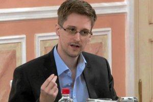 """Snowden: """"Nie przekaza�em tajnych dokument�w Rosji ani Chinom"""""""