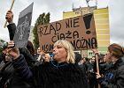"""Nauczyciel nazwał czarny protest - """"marszem czarnych cip"""". Czy zostanie ukarany?"""