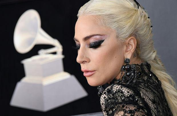 Lady Gaga z powodów zdrowotnych odwołała resztę swojej trasy koncertowej. Artystka przeprosiła fanów za pośrednictwem Twittera i zdradziła przyczynę rezygnacji z koncertów.