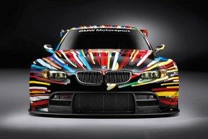 Sztuka na czterech ko�ach | BMW Art Car w Polsce