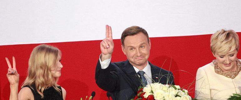 Ju� 46 z 51 okr�g�w: Duda 52,5 proc. Wci�� czekamy na dane z Warszawy [WYNIKI CZ�STKOWE]