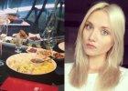 """Robi furor� w """"Top Model"""". Teraz zabra�a ch�opaka do drogiej restauracji: Kto� tu ma urodziny"""