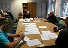 W komisjach dalsze liczenie głosów; nadal bez wyników w sejmikach