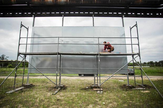 Częstochowa, ul. Bojemskiego. Instalacja przygotowywana w ramach festiwalu IRON OXIDE