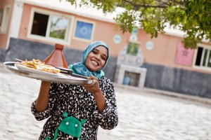 Filmowe krajobrazy, go�cinno�� mieszka�c�w i tad�in z warzywami. Tester Smaku odkrywa Maroko [PRACA MARZE�]