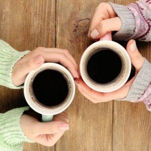 Popijasz czasem kaw� tabletki przeciwbólowe? To lepiej przesta� tak robi�