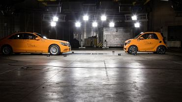 Smart Fortwo vs Mercedes S Klasy - crashtest