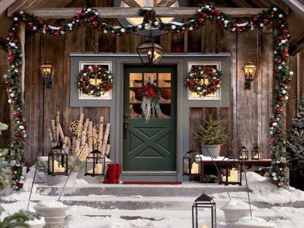 Wok� drzwi - dekorujemy drzwi wej�ciowe na Bo�e Narodzenie
