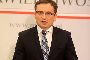 """Ziobro potwierdza: B�d� kary za m�wienie o """"polskich obozach �mierci"""""""