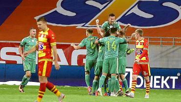 Piłkarze Śląska triumfują po strzeleniu kolejnego gola w meczu przeciwko Jagiellonii
