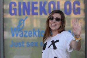 Fani Kukulskiej zrobili jej niespodziank� i nakr�cili wyj�tkowe wideo. A my zwr�cili�my uwag� na... Co tu robi Ola Kwa�niewska?