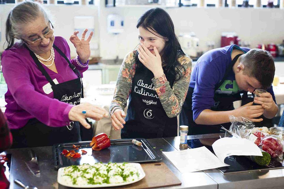 Gotowanie łączy Pokolenia Seniorzy I Dzieci Z Domu Dziecka Dali