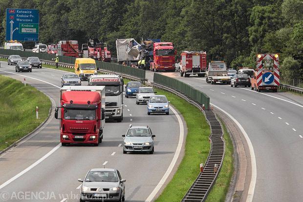 Zderzenie ci�ar�wek, autostrada A4 zablokowana. Wielki korek!