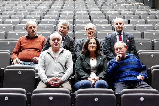 Obecny zarząd Mozaiki: Andrzej Probant, prof. Piotr Zwierzchowski, Czesław Rygielski, Adama Mateja oraz w pierwszym rzędzie: Wojciech Sobociński, Izabela Szolginia, Waldemar Pasiński