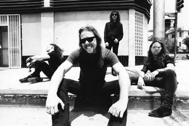 Jest film z występu zespołu na festiwalu Sonisphere.