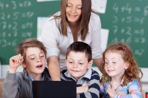 Dzie� Edukacji Narodowej - �yczenia i scenariusze na Dzie� Nauczyciela