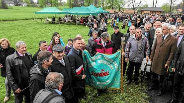 Maj 2015, kandydat na prezydenta Andrzej Duda odwiedza sanktuarium św. Andrzeja Boboli w Strachocinie