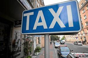 Napad na taksówkarza w centrum Poznania. Do pobicia doszło na postoju przy ul. Szkolnej