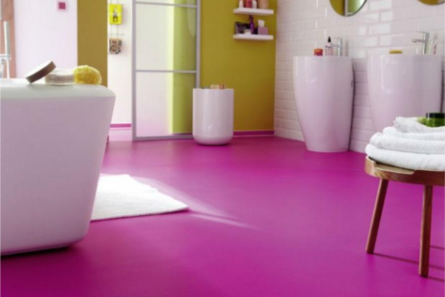 Fuksja i zieleń łazienka w tych odcieniach