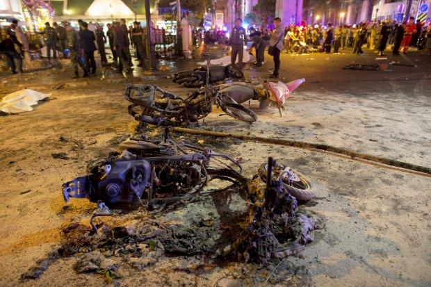 Zamach w �wi�tyni. Bangkok w szoku i chaosie