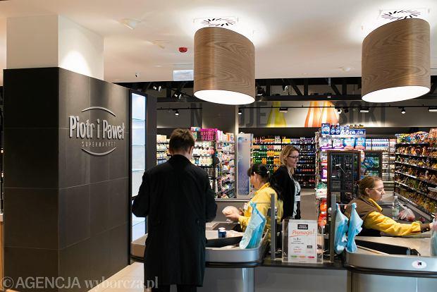 Nowy supermarket 'Piotr i Paweł'