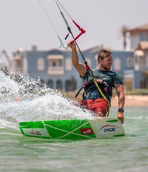 Wiktor Borsuk - siedmiokrotny mistrz Polski w kitesurfingu, najbardziej utytułowany zawodnik freestyle'u w Polsce
