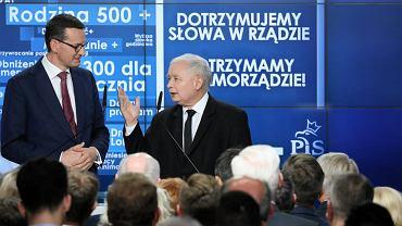Mateusz Morawiecki i Jarosław Kaczyński podczas wieczoru wyborczego w sztabie PiS-u przy ul. Nowogrodzkiej w Warszawie.