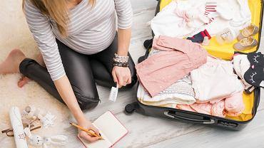Co spakować do torby do porodu? O wyprawkę do szpitala lepiej zadbać wcześniej, zanim pojawią się pierwsze skurcze.