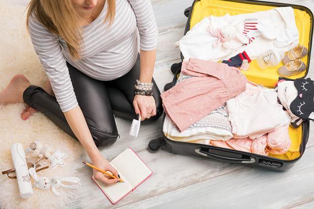 Wyprawka do szpitala: co zabrać dla mamy, a co dla noworodka