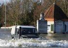 Powódź szachuje Camerona. Poprosi o pieniądze krytykowaną Brukselę?