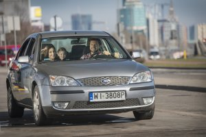 Samochodem po bu�ki? Polscy kierowcy s� wygodni