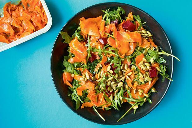 Sałatka z łososiową marchewką