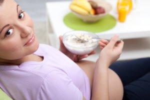 Ciąża i przeziębienie: jak sobie pomóc dietą?